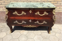 Franse oude commode